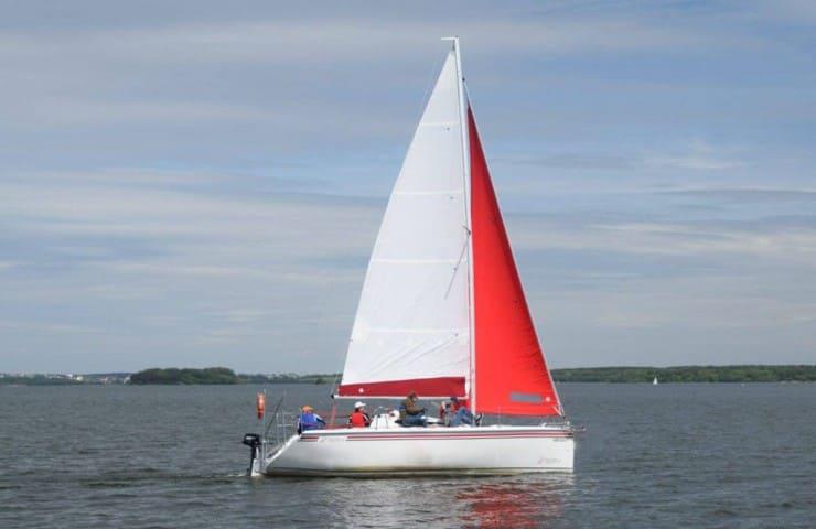 Яхта TWISTER 780