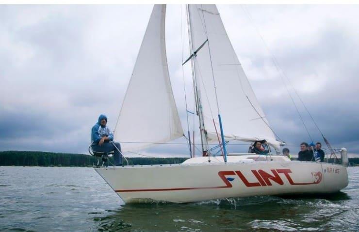 Яхта FLINT