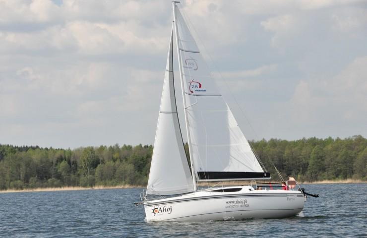 Яхта MAXUS 28,2